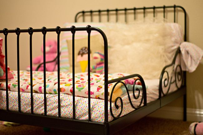 ikea minnen toddler bed review diary of a. Black Bedroom Furniture Sets. Home Design Ideas
