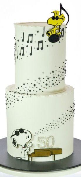 La torta perfecta para amantes de la música y snoopy!!!!! O.o