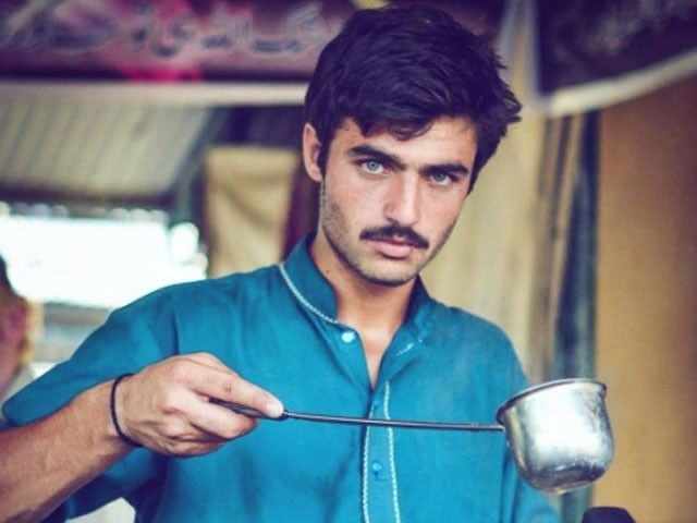 This ChaiWala becomes Pakistan's newest internet sensation - http://thehawk.in/news/this-chaiwala-becomes-pakistans-newest-internet-sensation/