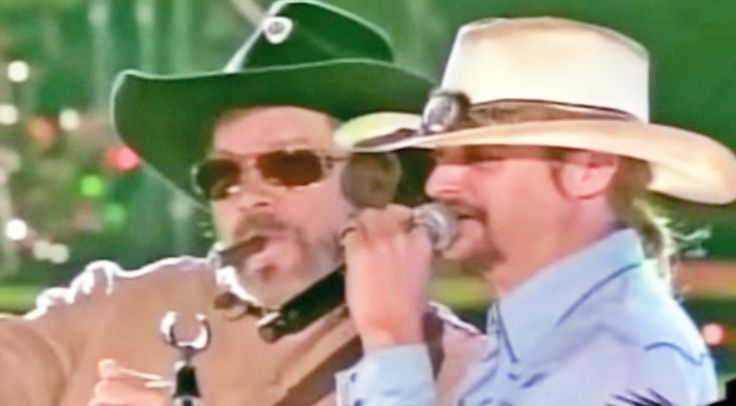 Country Music Lyrics - Quotes - Songs Hank williams jr. - Kid Rock Joins Hank Williams Jr. For Explosive 'Dixie On My Mind' Performance - Youtube Music Videos https://countryrebel.com/blogs/videos/kid-rock-joins-hank-jr-for-explosive-dixie-on-my-mind-performance