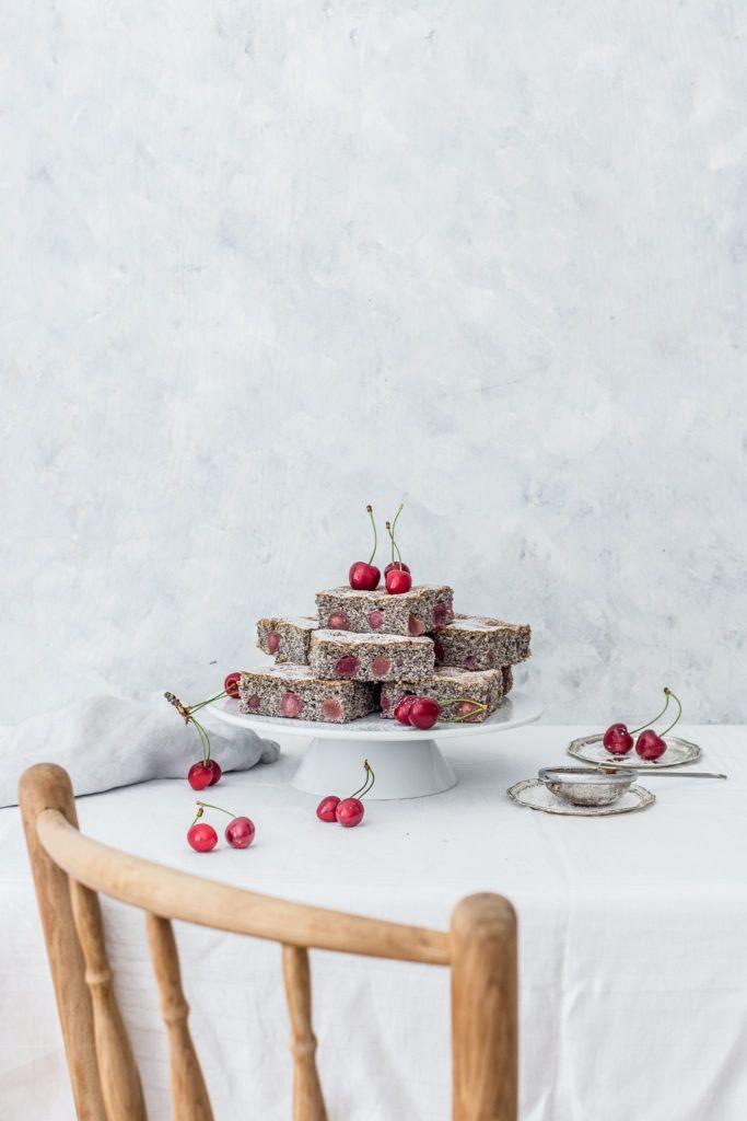 Poppy seed and cherry cake / Makovo-čerešňová bublanina