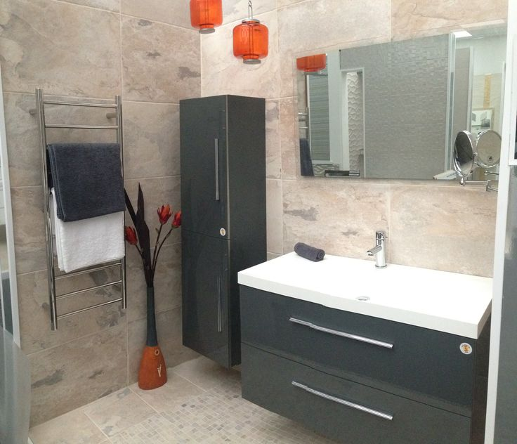 Amalfi basin on grey Creta wall hung vanity unit