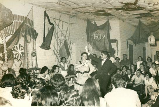 Osvaldo Cadiz y Margot Loyola en Peña de Valparaiso 1972