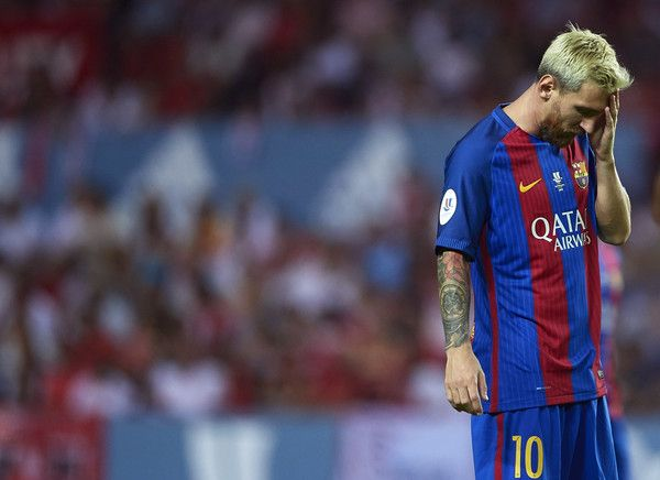 Lionel Messi of FC Barcelona reacts during the match between Sevilla FC vs FC…
