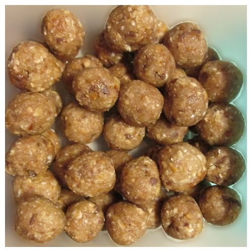"""Raw"" Snickers Balls Makes about 42 at 27 calories each"