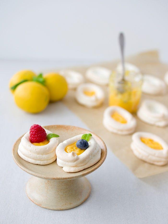 Pradobroty: Pavlova s lemon curd