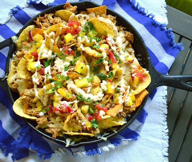 Unos nachos al pastor para completar la tarde perfecta de Netflix. | 14 Deliciosas recetas para todos los amantes de los tacos al pastor