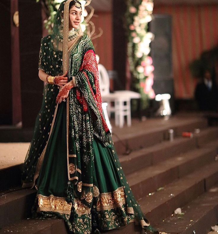 Real bride Nayab Danyal @nayabaaslam in a Sabyasachi Lehenga for her Mehendi. #Sabyasachi #TheWorldOfSabyasachi #NayabDanyal #Lahore #Pakistan @sabyasachiofficial #TheSabyasachiBride #SabyasachiBridesWorldwide #DreamWeddings #DestinationWeddings #IndianBridesWorldwide #IndialBridal Image Courtesy: @mubashra.ali