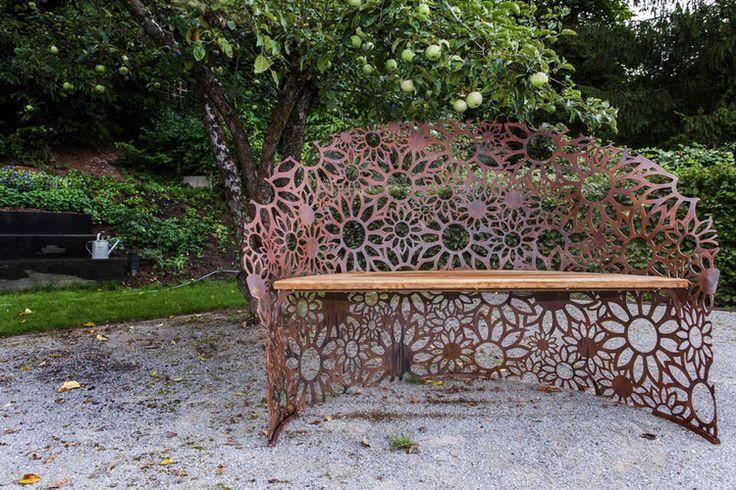 lavicka na zahradu