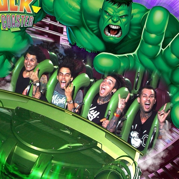 Imagine going to universal and seeing this pic on the screen when u get off the hulk ride<< I think I'd die