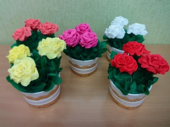 горшочек с розами из папиросной бумаги 1
