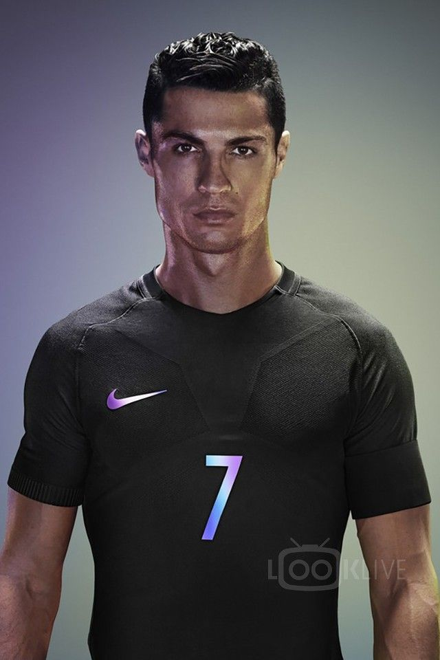 Cristiano Ronaldo wearing Nike AeroSwift Vapor Tee