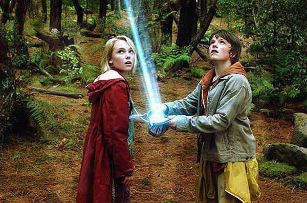 Josh Hutcherson and AnnaSophia Robb | Annasophia Robb et Josh Hutcherson - Photo Le Secret de Terabithia ...