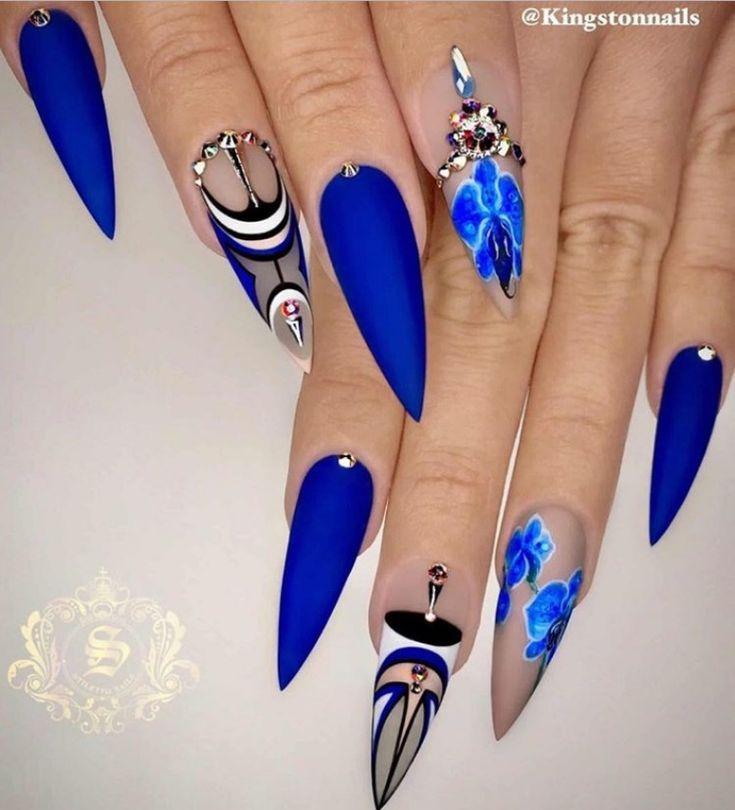Bevorzugter blauer Stilettnagelkunstentwurf für Frühling u. Herbstsommer – Sommer Nagel