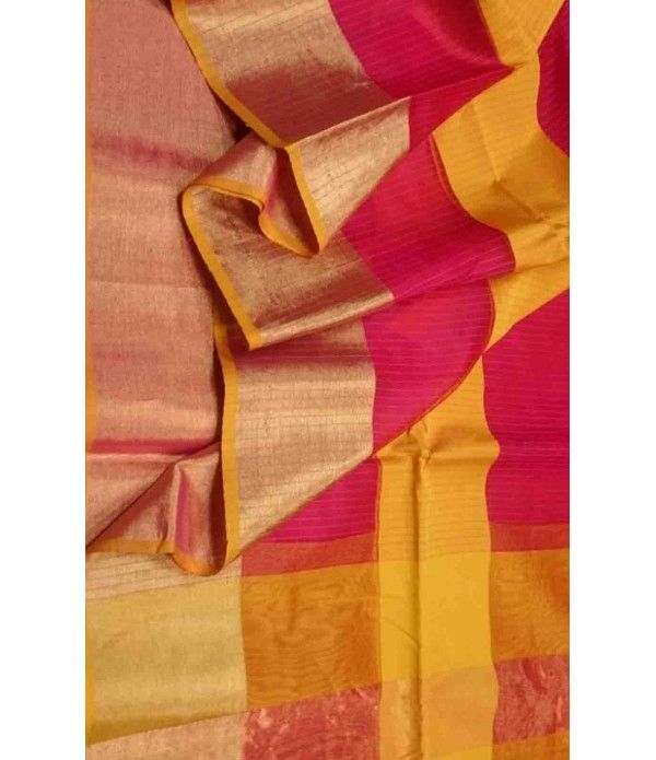 Red  Pure Handloom Maheshwari Silk Saree------  The designs in the Maheshwari sarees were inspired by the detailing on the walls of the Fort of Maheshwar. The popular designs used in these sarees, are the  Mat pattern, the Chameli flower pattern, the Brick pattern as well as the Diamond pattern. These designs are found on Maheshwari sarees even today. ------- sarees from luxurionworld.com