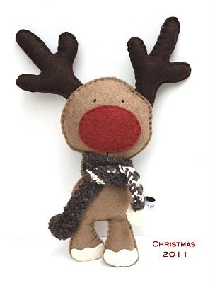 """Felt Reindeer - okay - this is in a different language, so I don't know if I can find a pattern, but I think I can """"borrow"""" the design!  It tickles me!!"""