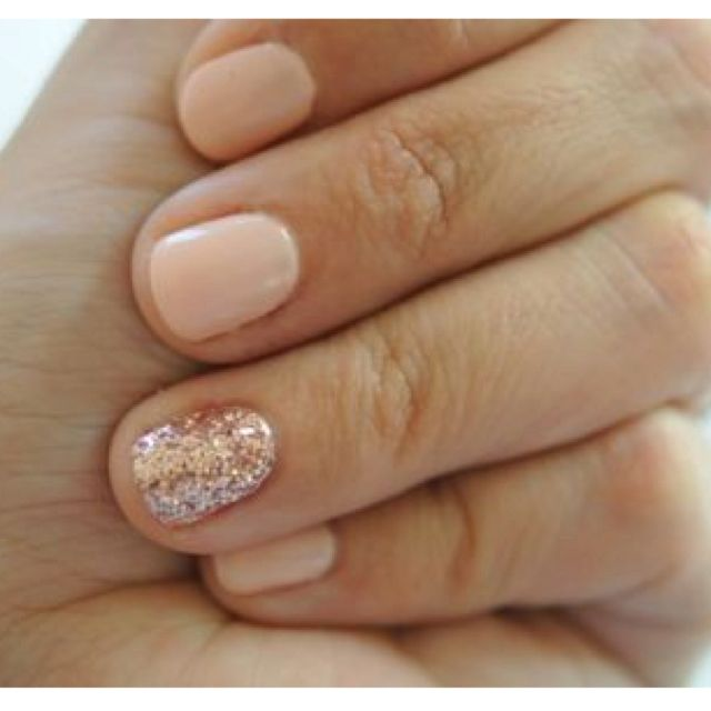 Very pretty manicure.