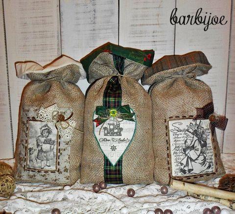 Mikulászsák, nosztalgikus hangulatú, bájos textilképpel, bélelt zsákvászonból, Dekoráció, Karácsonyi, adventi apróságok, Ünnepi dekoráció, Ajándékzsák, Rusztikus zsákvászonból készült, nosztalgikus hangulatú mikulászsák. Elejét textilképpel, ..., Meska