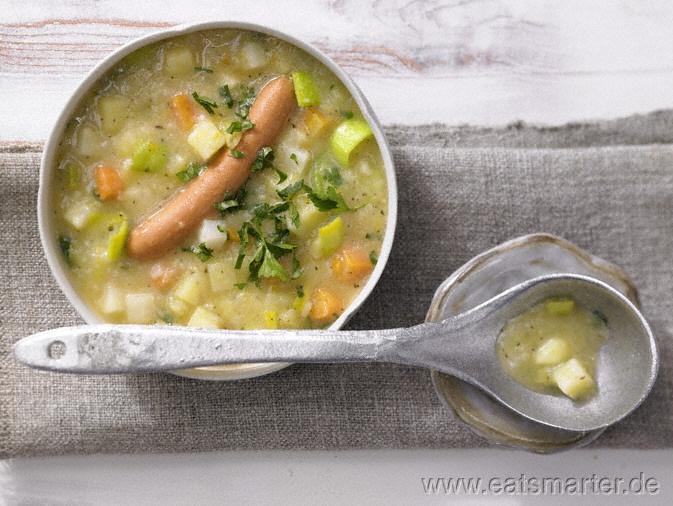 Kartoffelsuppe - smarter - smarter - Kalorien: 272 Kcal   Zeit: 50 min.  Ein deutscher Klassiker unter den Suppen!