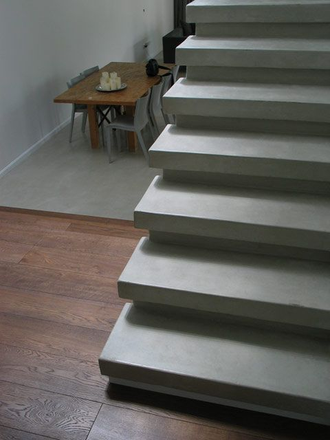 materials mix: #microtopping and wood #parquet. #concrete effect staircase http://www.idealwork.com/Micro-Topping-Features-and-benefits.html