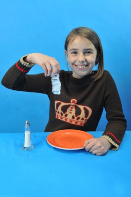 Experimente mit Wasser: Experiment für Kinder: Der Eiswürfel-Turm