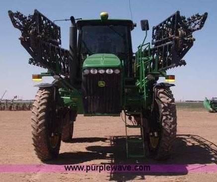 F8272.JPG - 2010 John Deere 4930 self propelled sprayer , 2,790 hours on meter , John Deere six cylinder diesel ...