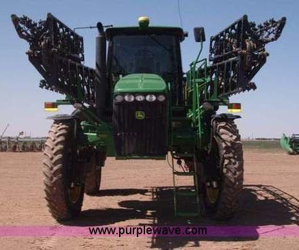 F8272.JPG - 2010 John Deere 4930 self propelled sprayer , 2,790 hours on meter , John Deere six cylinder diesel ...