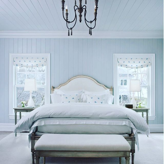 { S A N C T U A R Y }  At the end of a long day there is nothing better than retreating to a gorgeous bedroom.  There's something in the colour blue that screams relaxation.  Love this paint colour?  For something similar try Dulux Tranquil Retreat.  Thanks so much to talented @cottagecompanyharborsprings for the inspiration.  xxxx