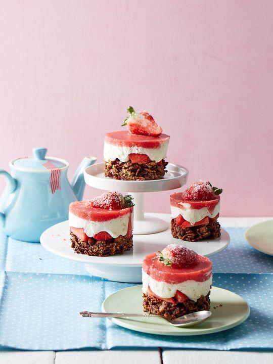 Erdbeertörtchen mit schokolierten Cornflakes, ein leckeres Rezept aus der Kategorie Dessert. Bewertungen: 5. Durchschnitt: Ø 4,0.