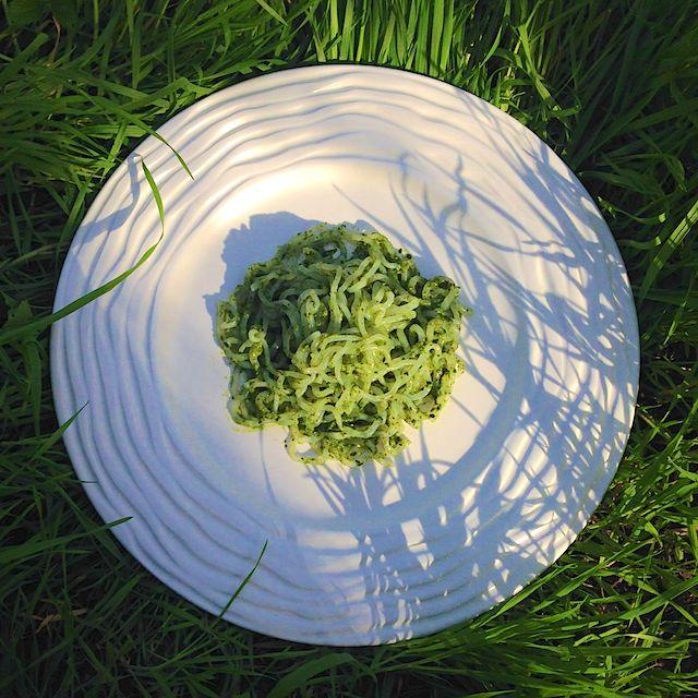 Ширатаки с песто из шпината и петрушки, рецепт