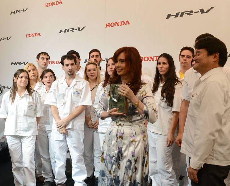 CFK en la planta de Honda - http://www.cfkargentina.com/honda-invierte-250-millones-para-producir-la-hr-v-en-argentina/