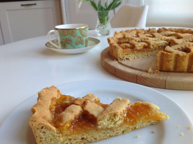 Apricot Crostata @ leoinyourkitchen.com