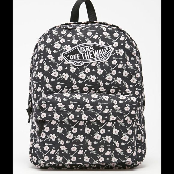 Shop Women's Vans Black White size OS Backpacks at a discounted price at Poshmark. Description: Brand new beautiful Vans backpack. Check out that adorable pattern. 4 other backpacks listed, too! Vans Black And White Floral Backpack. Sold by crazyposh. Fast delivery, full service customer support.