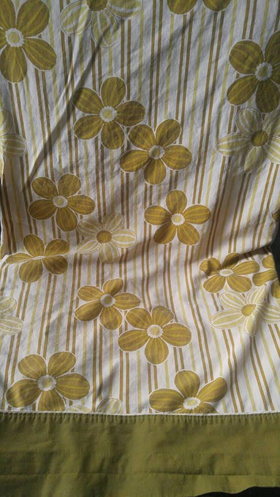 Vintage Wabasso double flat sheet , avocado mustard and cream , flowers and stripes , 1970 , flower power , nature , spring , summer Check out this item in my Etsy shop https://www.etsy.com/ca/listing/524213169/vintage-wabasso-double-flat-sheet