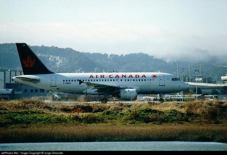 Airbus A319-114, Air Canada, C-GBIA, cn 817, 120 passengers, first flight 1.4.1998, Air Canada delivered 24.4.1998, next Air Canada Jetz (26.9.2015). active. Foto: San Francisco, USA, date ?.