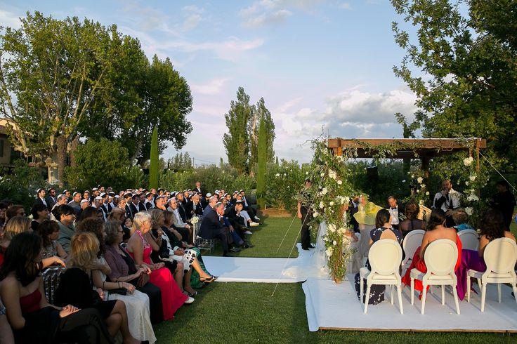 Cérémonie juive en Provence, rabbin, houppa fleurie par A Fleur & à Mesure, musique classique www.mariagedanslair.com