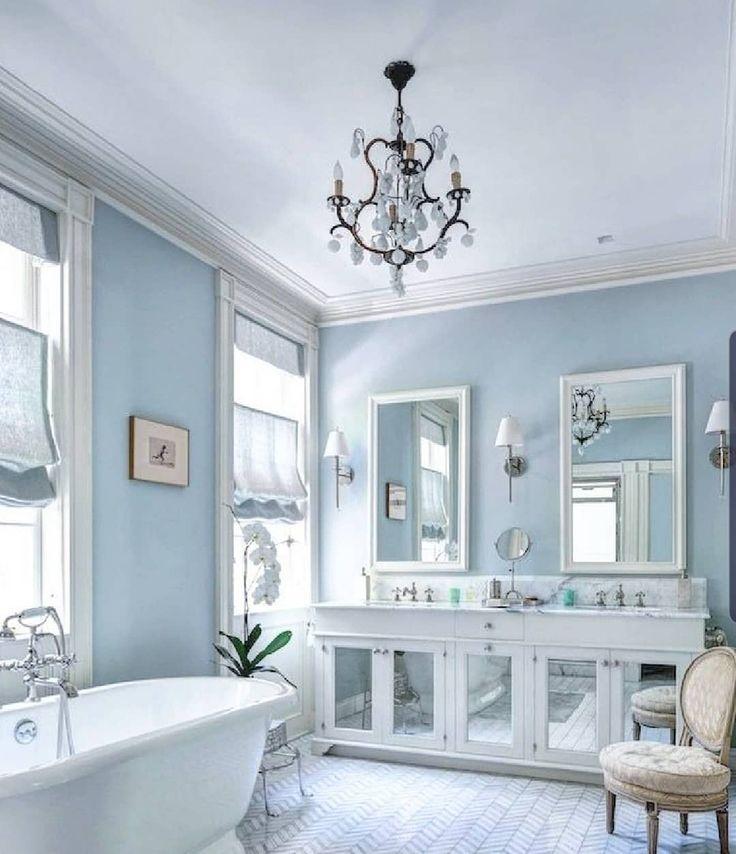 Hitzewellentage in #Paris! Alles was Sie brauchen, um zu überleben, ist diese Art von süßem blauen Badezimmer und genießen Sie ein kaltes Bad. Mit unserer legendären Bistrot-Kollektion …