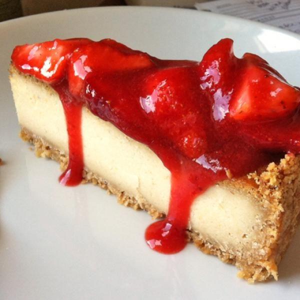 Aprenda a preparar cheesecake de morango sem glúten e sem lactose com esta excelente e fácil receita.  O cheesecake é uma torta gelada que não pode fazer parte da...