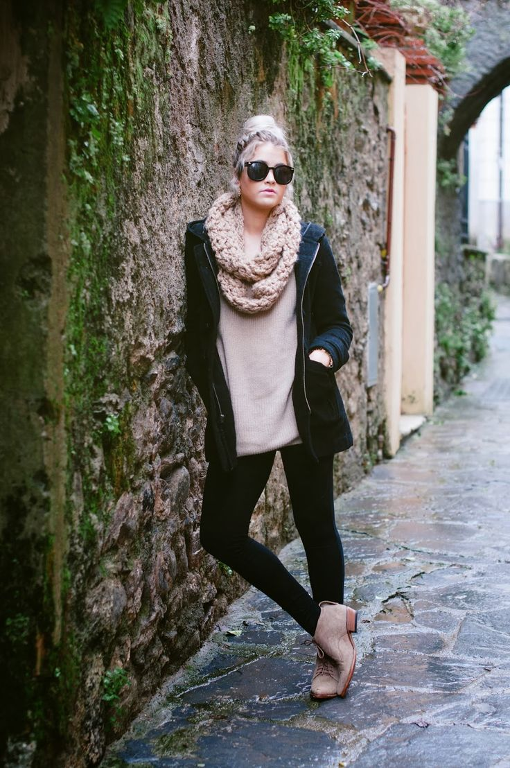 Oversized scarf and sweater with black jacket, leggings and suede booties
