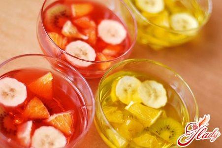 Десерты с желе в бокалах