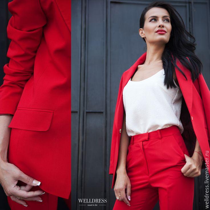Купить красный брючный костюм женский
