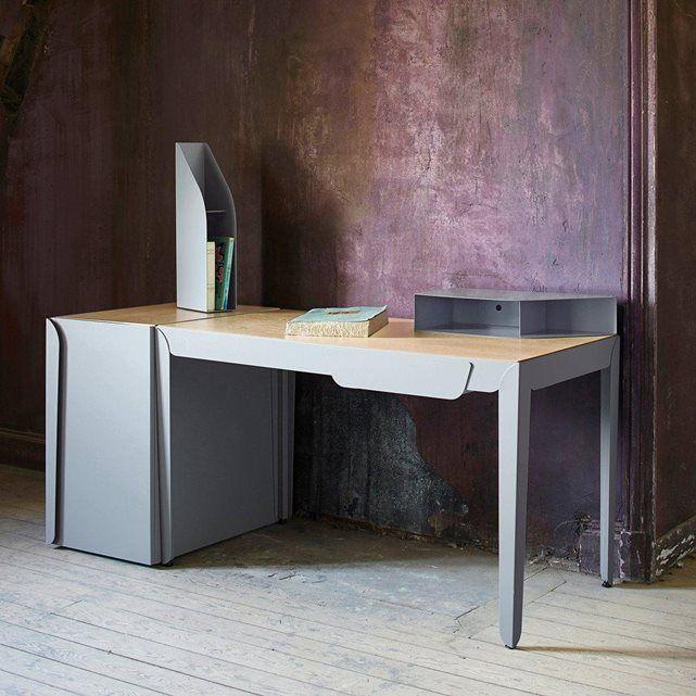Un design tout en élégance pour ce bureau signé Constance Guisset Studio associant métal et bois avec douceur et sobriété. A associer au caisson et aux boîtes de rangement vendus sur la redoute.fr