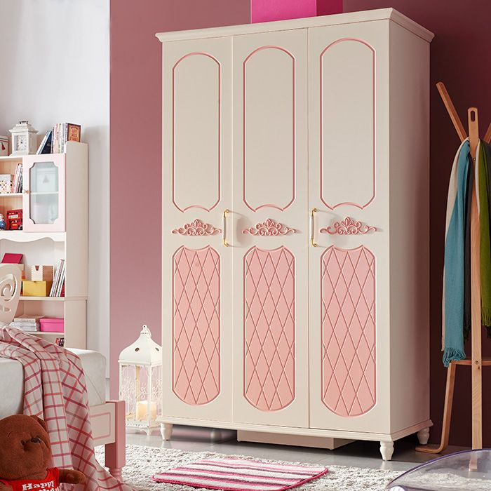 Трехдверный розовый шкаф для девочки в детскую комнату на ножках купить в интернет-магазине https://lafred.ru/catalog/catalog/detail/37323116623/