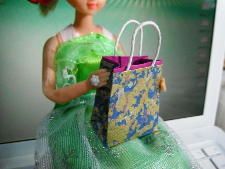 プチ紙バッグです。 とっても小さくて可愛いいんです。
