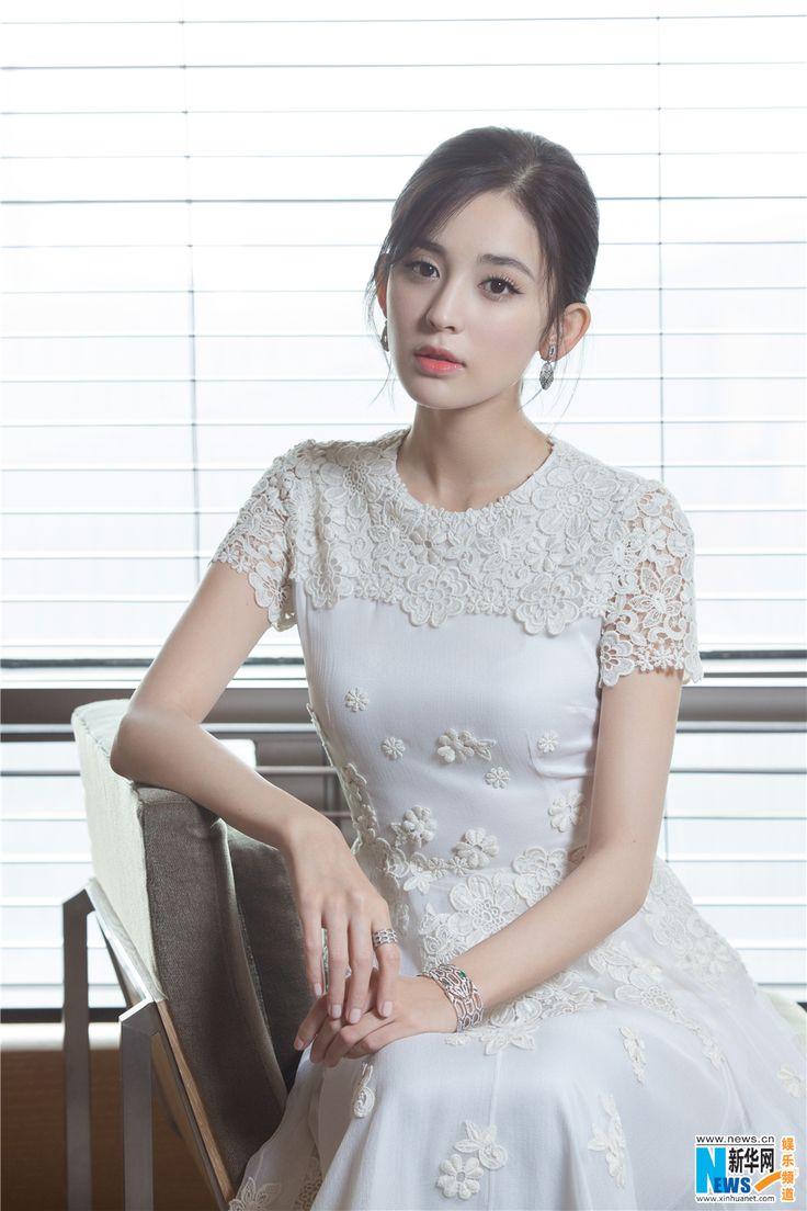 Guli Nazha poses for photo shoot   China Entertainment News