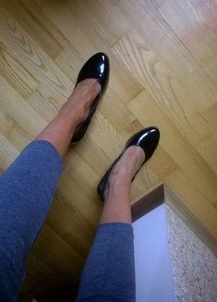 Kup mój przedmiot na #vintedpl http://www.vinted.pl/damskie-obuwie/na-wysokim-obcasie/13195161-czarne-lakierkowe-szpilki-dobra-cena