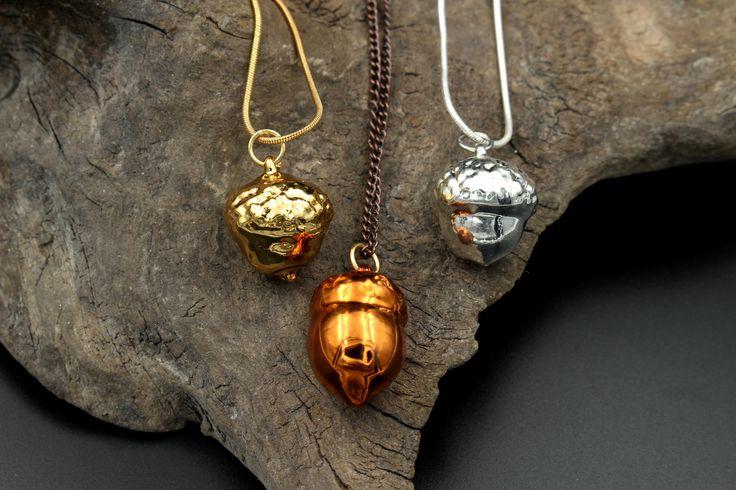 Anhänger aus echten Eicheln, in Kupfer, Silber oder Gold.