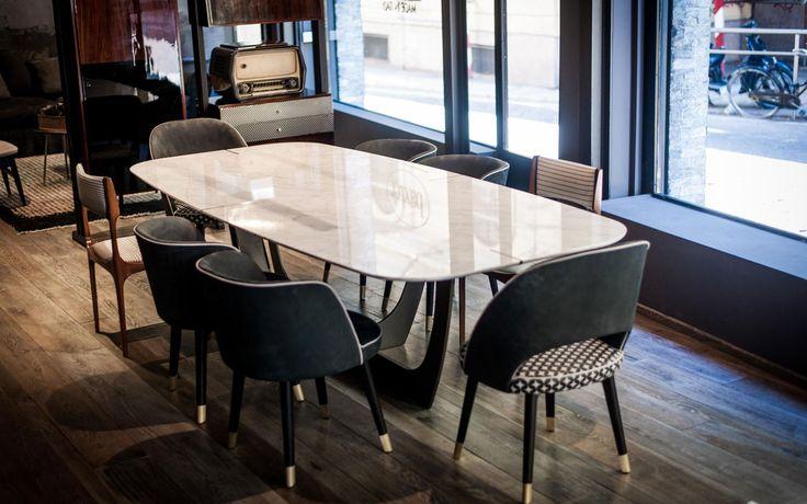 Risultati immagini per tavolo marmo calacatta oro