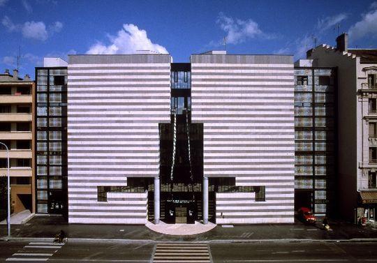 Mediatheque. Villeurbanne, France. 1984-1988. Mario Botta. Photo Pino Musi