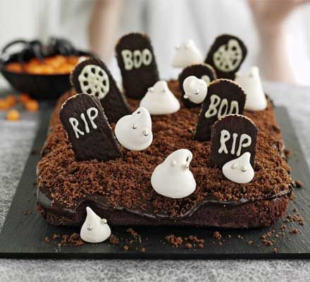 Haunted graveyard cake. The perfect centrepiece for a Halloween celebration, this cake is guaranteed to make your party extra spooky